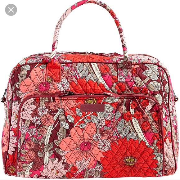 b6b622689e45 NWT Vera Bradley Weekender Bag in Bohemian Bloom